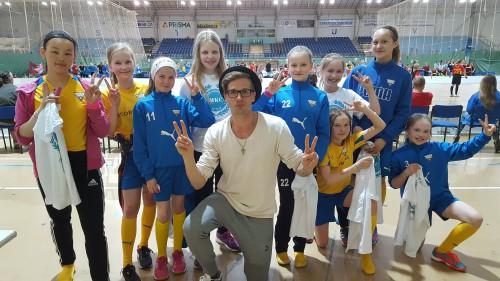Mikko Kohonen ja OLS-tytöt.
