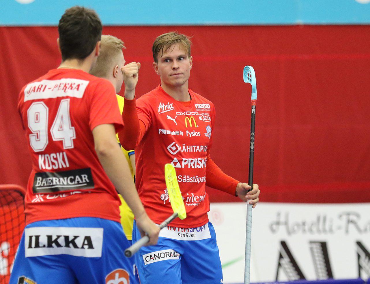 Koski ja Pelto-Arvo pääsivät tuulettamaan ottelun aikana useampaan otteeseen.